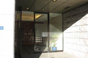 コスモ上野ロイヤルフォルムのエントランス