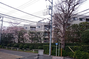 日商岩井大岡山第1マンションの外観
