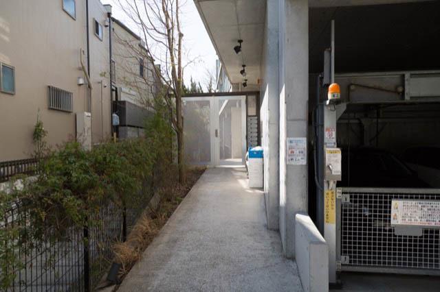 サクラハウス(世田谷区桜)のエントランス