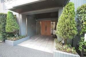 ガーデンホーム戸越銀座のエントランス
