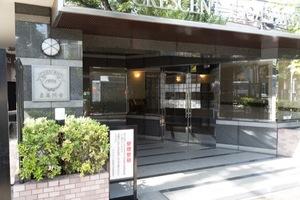 クレッセント東高円寺のエントランス