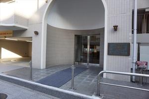 ライオンズマンション横浜大通り公園第3のエントランス