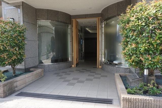 ラポール川崎本町のエントランス