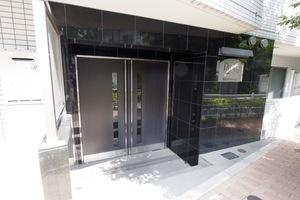 プレールドゥーク東京ノース3のエントランス