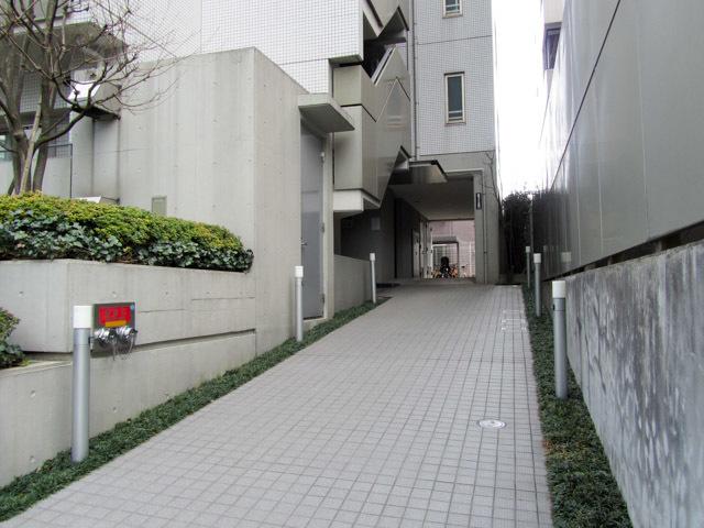渋谷常磐松ハウスのエントランス