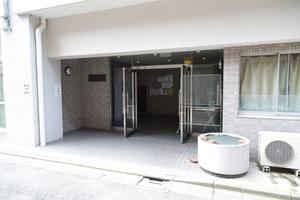 新高円寺ロイヤルマンションのエントランス