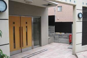 ニューキャピタル渋谷のエントランス