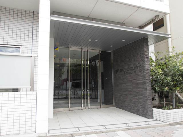 スカイコート文京新大塚のエントランス