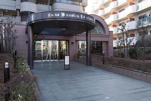 ライオンズマンション芦花公園のエントランス