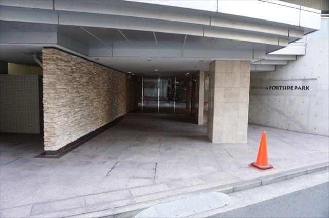 横浜ポートサイドパークのエントランス