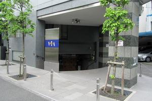 ヴィアシテラ新宿のエントランス