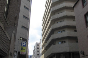 YKB新宿御苑の外観