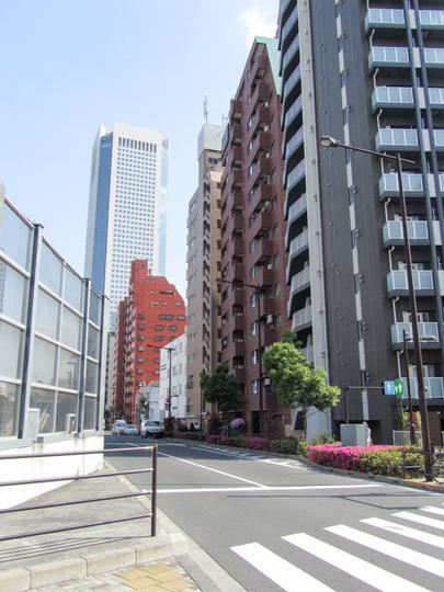 西新宿ビューハイツの外観