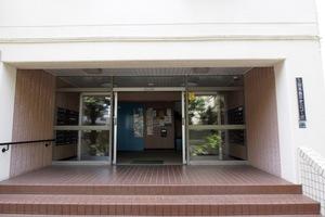 三田高島平第3コーポのエントランス