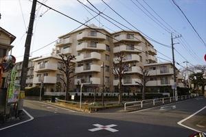 上板橋サンライトマンションH棟の外観