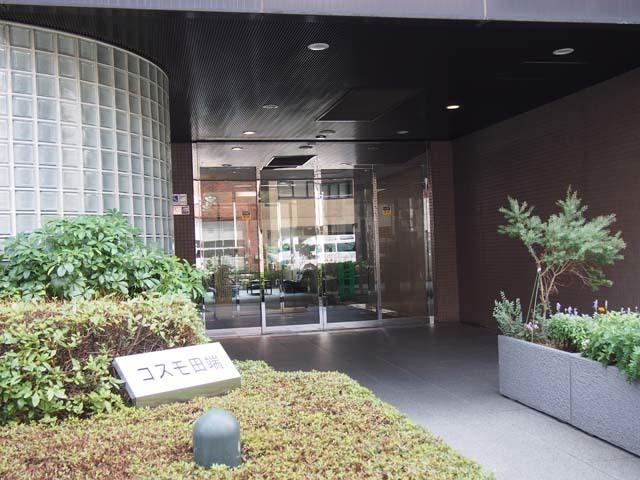 コスモ田端のエントランス