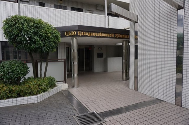 クリオ神奈川新町2番館のエントランス
