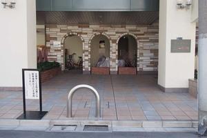 マンションニュー田端のエントランス
