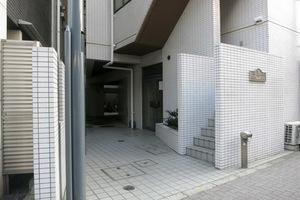 キャッスルマンション笹塚のエントランス