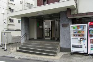 渋谷マンションウェルスのエントランス