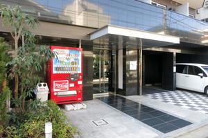 ロアール渋谷本町のエントランス