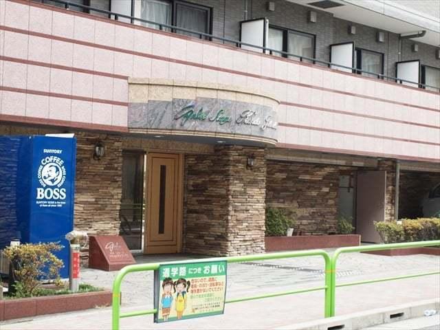 ガラステージ神田神保町のエントランス