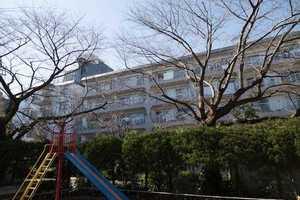 日商岩井芦花公園マンションの外観