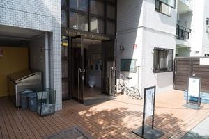ライオンズマンション東高円寺のエントランス