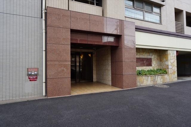 セントラルコート横浜井土ヶ谷のエントランス