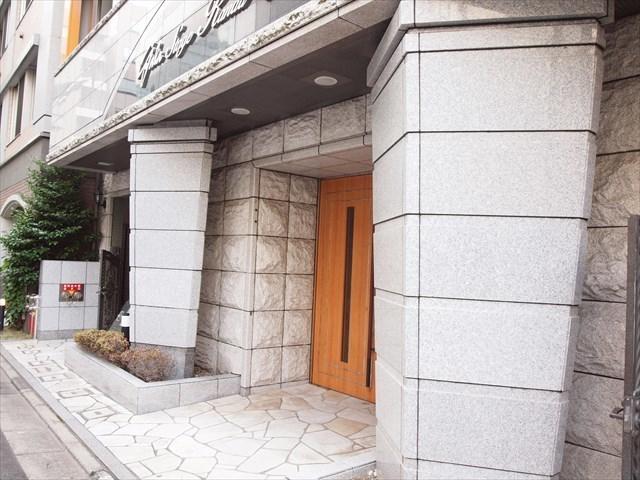 ガラステージ神田小川町のエントランス