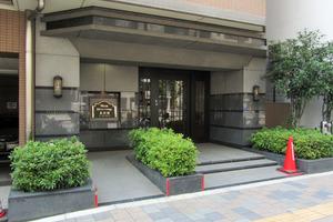 日神パレステージ東新宿イーストフォートのエントランス