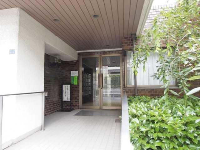 加賀町グリーンハイツのエントランス