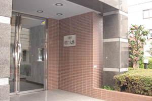 コスモ都立大学のエントランス