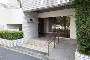 ベルエア新高円寺のエントランス