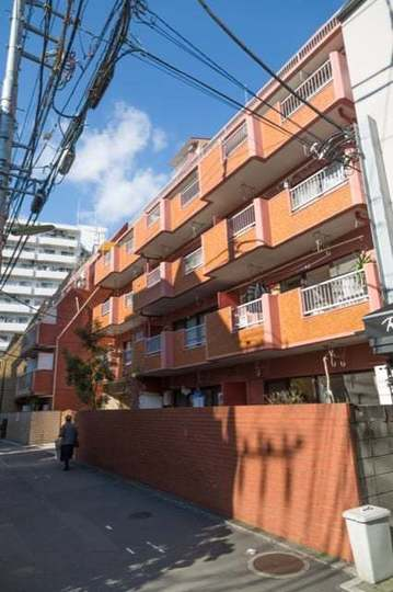 サンパレス三軒茶屋の外観