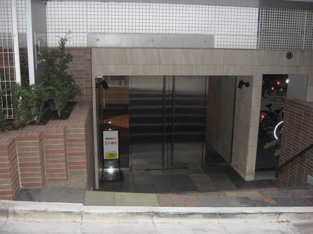 ピアース虎ノ門のエントランス