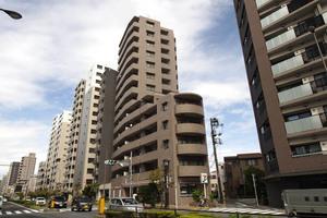 小石川パインマンションの外観