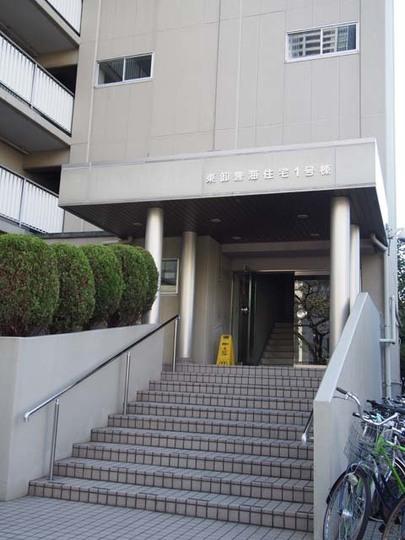 東卸豊海住宅(1〜3号棟)のエントランス