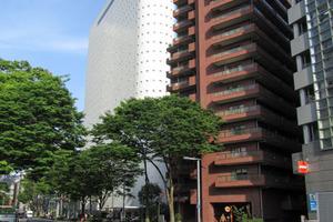 ファミール西新宿の外観