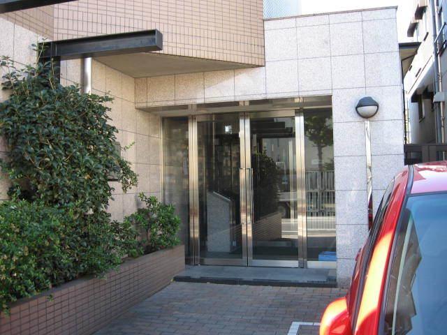 マイキャッスル竹ノ塚のエントランス