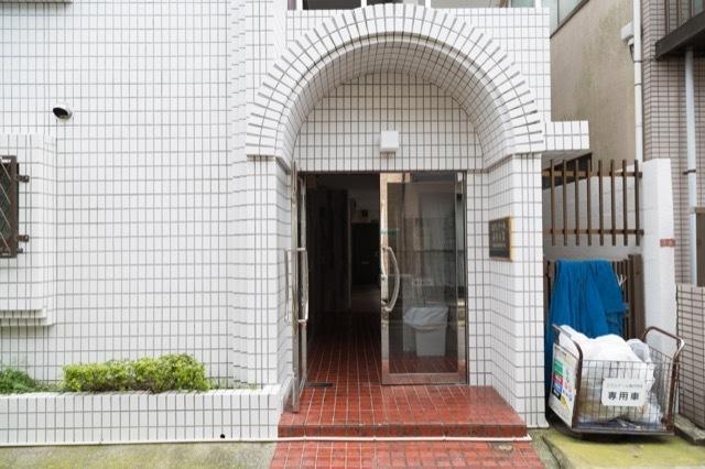 エヴェナール高円寺2のエントランス