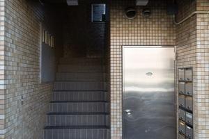パレス駒沢のエントランス