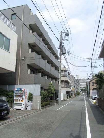 ルーブル学芸大学弐番館の外観