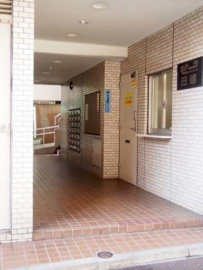 モナーク田端のエントランス