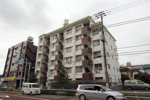 高島平ローヤルコーポの外観