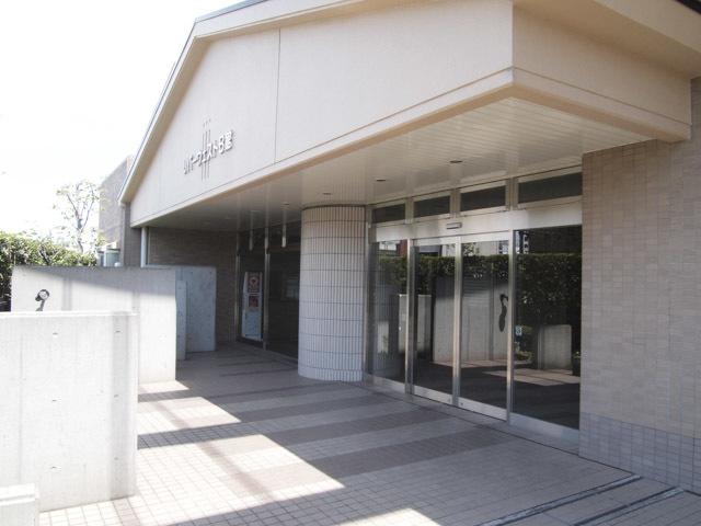 小松川グリーンタウンリバーウエスト(A〜C館)のエントランス