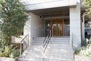 ガーデンハウス砧弐番館アンビエンテのエントランス
