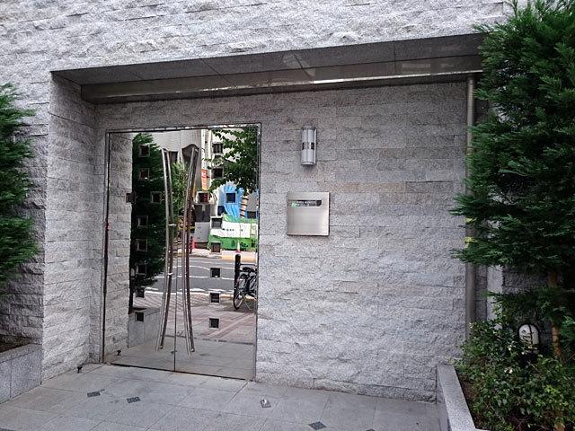 コンシェリア蒲田(大田区蒲田4丁目)のエントランス