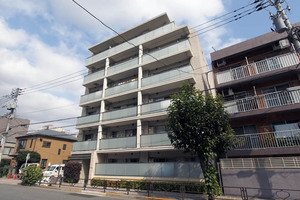 プリマシュロス文京本駒込の外観