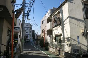 ルーブル西新宿の外観